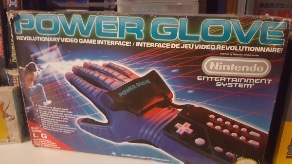 Power Glove en boite NES