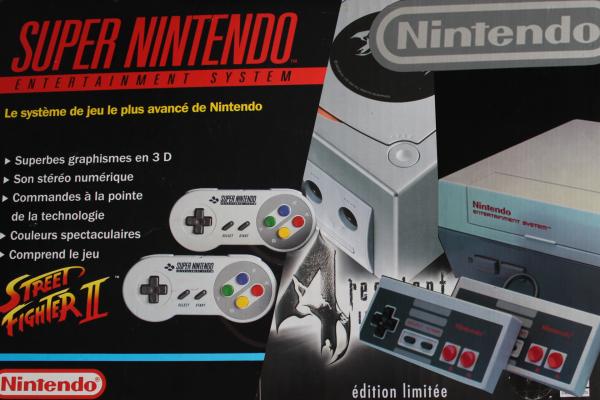 Vente spéciale événementielle Nintendo NES SNES Gamecube Pak 64 Castlevania Conker Zelda Metal Gear Solid