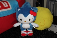 peluche sonic hello kitty collection cedric acksell sonic sega nintendo sony holdies gameroom jeux video retrogaming